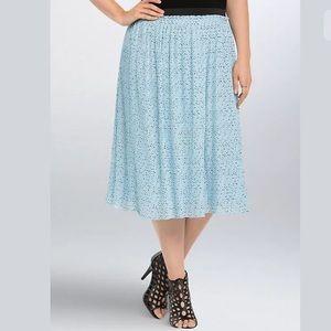 Nwt Torrid size 5 blue star pleated midi skirt